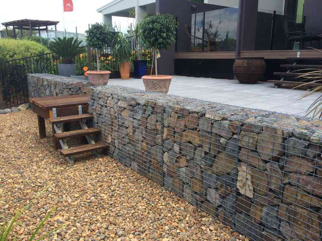 gabion retaining wall how to build gabion walls gabion design. Black Bedroom Furniture Sets. Home Design Ideas